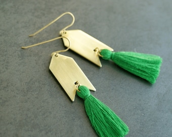 Green Tassel Earrings, Kelly Green and Gold, Natural Brass Tassel Earrings, Arrowhead, Arrow Earrings