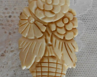 Ivory and Brown Flower Basket Dress Clip