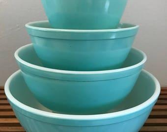 Pyrex Turquoise Mixing Bowl Set