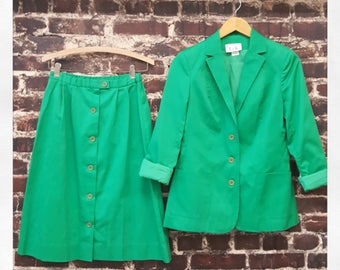 1980s Kelly Green Suit. Cotton Skirt and Blazer. Matching 2 Piece Set. High Waist Button Front Skirt and Jacket by L&K.