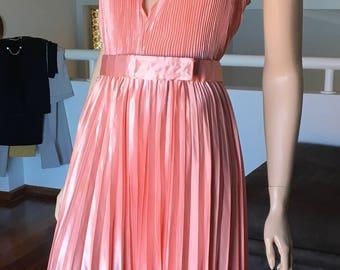 Vintage Coral Dress Plunge Neck Sunray Pleated  Marolyn Munroe La La Land