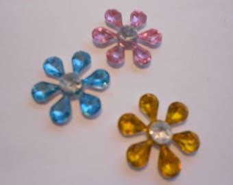 Flower plastic embellishment for scrapbooking, cardmaking