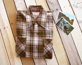 Vintage Men's M/L 70s Cranbrook Wool Loop Collar Shirt Brown Green Red Tartan Plaid Double Flap Pocket Outdoorsman Camping Hunting