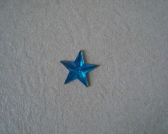 A star with blue paste