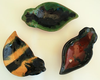 Set of 3 Pottery Tea Bag Holders Pilliga Pottery Leaf Shape