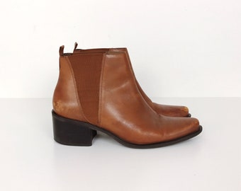 Vintage Brown Leather Chelsea Ankle Boots // Women's size 10