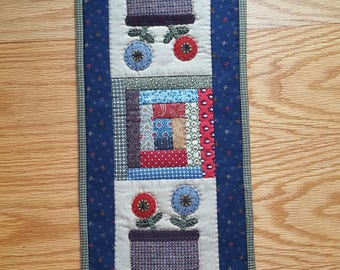 Flower Basket Mini Runner - Hand Embroidery and Wool Applique - Log Cabin - Hand Quilted