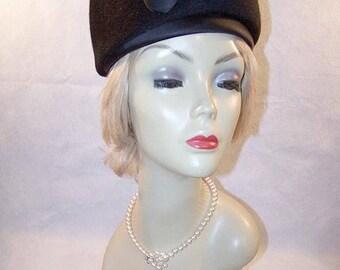 Ladies Vintage 1950/60's Black Felt Bubble Togue