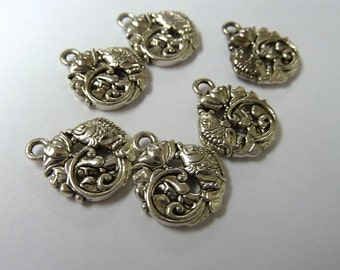 6 Round Fish Charms