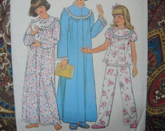 vintage 1970s Simplicity sewing pattern 8127 girls nightgown pajamas and robe size medium