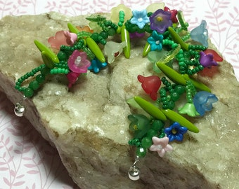 Spring Bead Bracelet Flower Bead Bracelet Garden Bracelet Leaf Bead Bracelet Floral Bead Bracelet Beadwoven Bracelet Size 6 Bracelet
