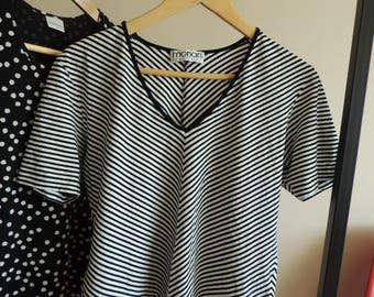 FREE SHIPPING - Black, silver and white striped v-neck finely knitted t-shirt, size L