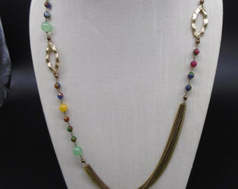 Necklace in hard stones and crystals