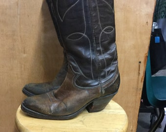 Brown Easy Pull On Western Women's Boots