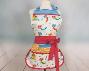 Sassy Mermaid Vendor Apron with Bib, Womens, Utility Apron with 6 pockets, great for Teachers, Gardening, Farmers Market