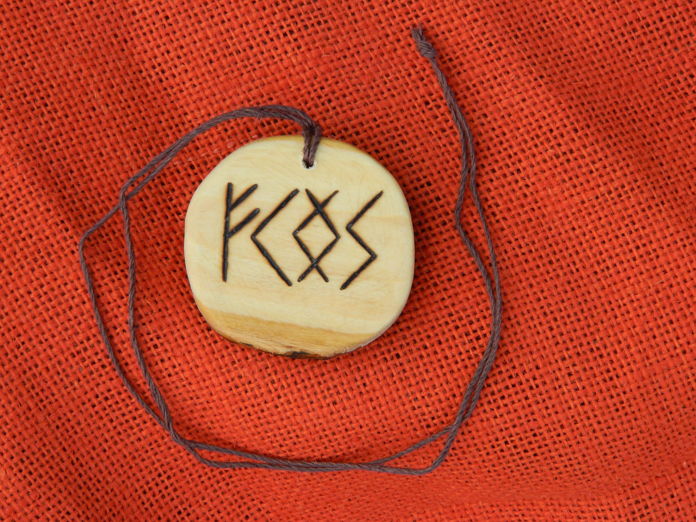 Wooden Rune-bind talisman Luck attraction