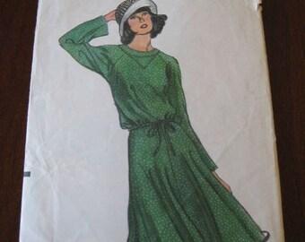 Vintage 70s Vogue 9099 Two Piece Dress pattern, sz 6 B 30.5