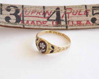 Mourning Ring With Flower Engraving and Back Enamel