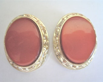 Pair Thermoset Clip Earrings