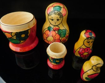 Vintage Toys, Collectible, Miniature, Matrjoschka, Matroschka, Babuschka, Matruschka, Matroyshka, Russian Dolls, Made in Russia 1960s