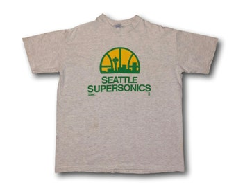 Vintage 90's SEATTLE SUPERSONICS Sonics Graphic Basketball NBA Tee T-Shirt Sz M