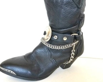 ONE Concho Bootstrap with Chainmail