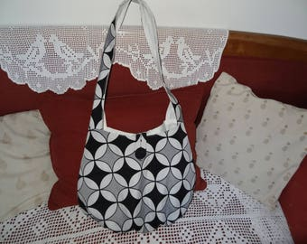 Large messenger bag / canvas upholstery / patterned geometric/black, gray, white/shape ball/cross body/be worn at the shoulder/white lining