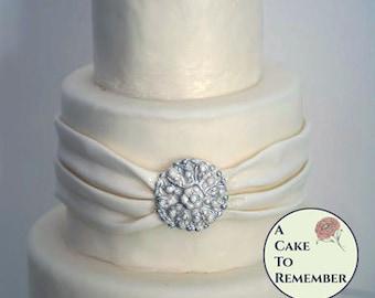 Round DIY wedding cakes edible brooch, wedding cake brooch, edible diamonds, edible jewels, edible cake jewels,  sugar gems, gumpaste brooch