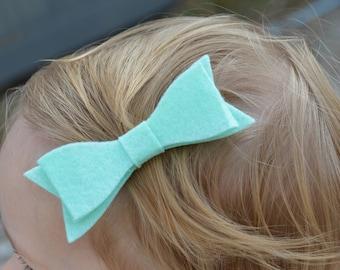 Baby bow clip, baby hair clip, toddler hair clip