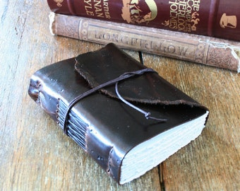 "Leather Travel Journal - J.R.R. Tolkien: ""Not all those who wander are lost"" . handmade handbound . dark brown (320 pgs)"