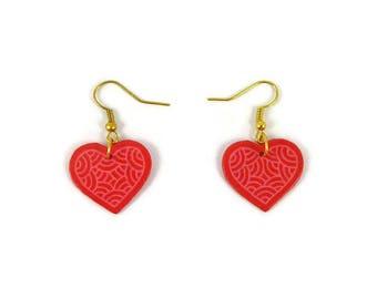 Boucles d'oreille coeurs roses framboise aux volutes roses claires, boucles d'oreille éco-responsables en CD recyclé peint, Saint Valentin