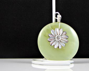 Green Donut Serpentine Pendant Olive Jade Pendant Wire Wrapped in Sterling Silver Shell Daisy Healing Pendant Ooak workplace Jewelry