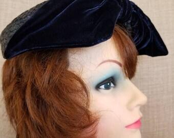Vintage Women's Navy Blue Soft Velvet & Straw Weave Hat