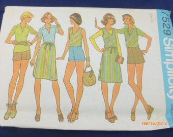 Vintage 7529 Simplicity Size 16 Pattern Misses' Pullover Top Bias Vest Skirt Shorts Uncut