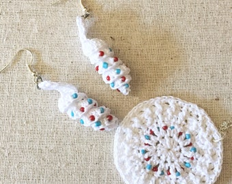 Crocheted Beaded Earrings and Pendant / Patriotic Jewelry Set / Patriotic Earrings / Patriotic Pendant / Red, White and Blue Jewelry / Gifts