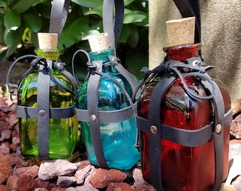 Belt Bottle - Square Glass Bottle in Leather Straps - Potion Bottle in Red Blue or Green - Medieval Costume Steampunk Costume Accessory