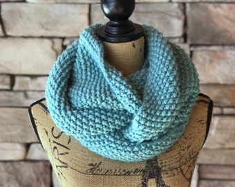 Infinity Scarf / Turquoise Scarf / Loop Scarf / Handmade Scarf / Gift For Her / Chunky Knit Scarf / Cowl Scarf / Knit Scarf / Winter Scarf