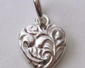 Genuine SOLID 925 STERLING SILVER 3D Small Ornate Love Heart charm/pendant