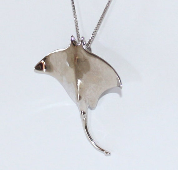 Manta ray pendant 14k white gold 34mm height sku 93604 manta ray pendant 14k white gold 34mm height sku 93604 mozeypictures Images