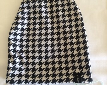 Reversible Slouchy Beanie- Houndstooth