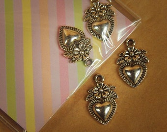 Heart Pendant Charms ~2 pieces #100297