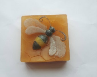 Handmade! Honey Bee Soap ~ Honey/Vanilla Melt and Pour Soap