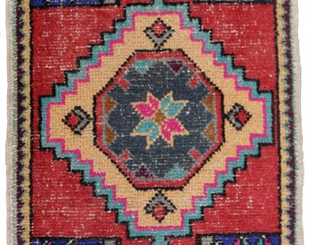 Small Turkish Runner Rug Oushak Decorative Handwoven Rug Turkish Antique Rug 1.8 x 3.3 ft  F-