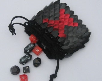 Scale Armor Dice Bag Black Widow knitted Dragonhide