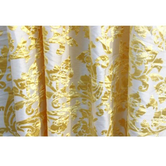 Jaune mimosa fleuri par le triage tissu ameublement rideau - Tissu thermique pour rideau ...