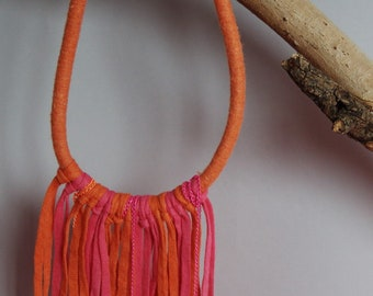 Pinik and burnt orange fringed necklace