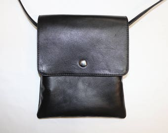 Leather shoulder bag genuine black L