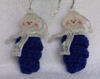 curly cue Christmas ornament set of 2, snowman with curly cue body, crocheted curly cue, crocheted ornament, Christmas crochet, curly cue