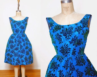 Vintage 50s floral party dress / Blue & green flocked cocktail dress / Vintage prom dress / 50s Fit and flare dress
