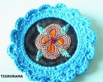 Maxi crochet and hand embroidered brooch